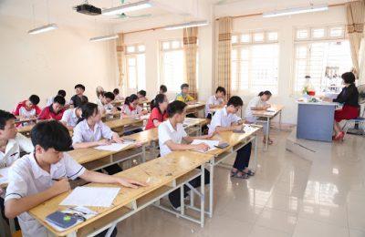 Lớp 11 tiếng Anh là gì