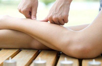 cách xoa bóp bắp chân